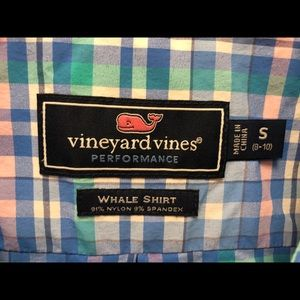 Vineyard Vines On-The-Go Performance Whale Shirt